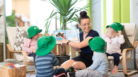 7 ways to engage your toddler at story time
